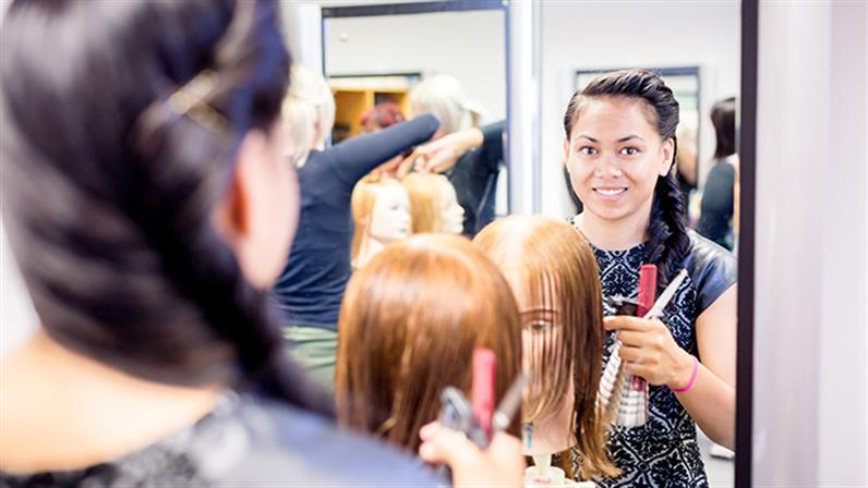 New Zealand Certificate in Hairdressing (Emerging Stylist)