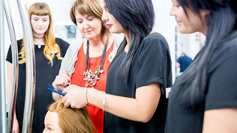 UCOL's New Zealand Certificate in Hairdressing (Salon Support)